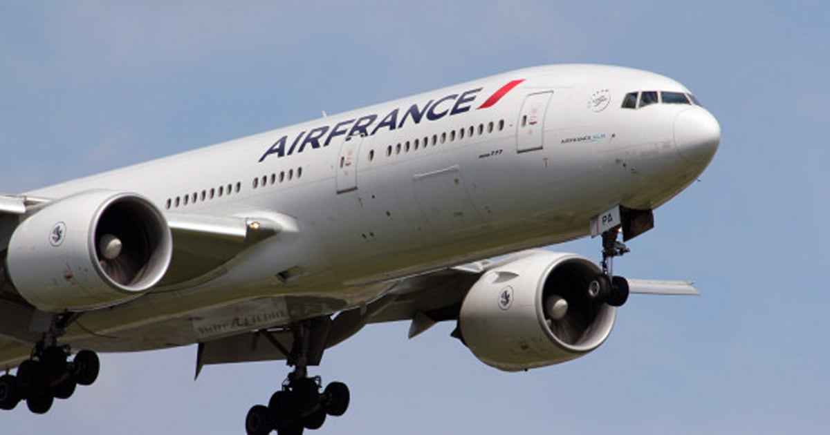 Air france threat that diverted flight af083 to montreal declared false alarm huffpost canada - Air france office montreal ...