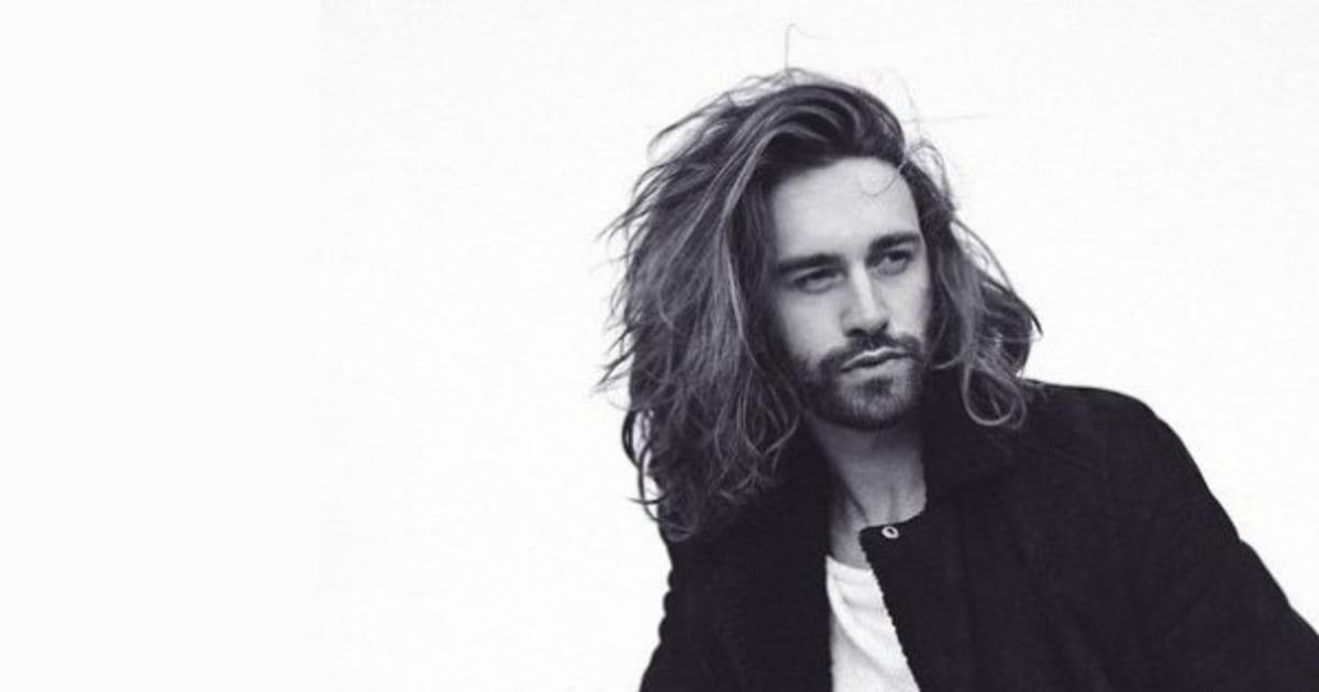 photos 20 hommes qui portent parfaitement la barbe et les cheveux longs le huffington post. Black Bedroom Furniture Sets. Home Design Ideas