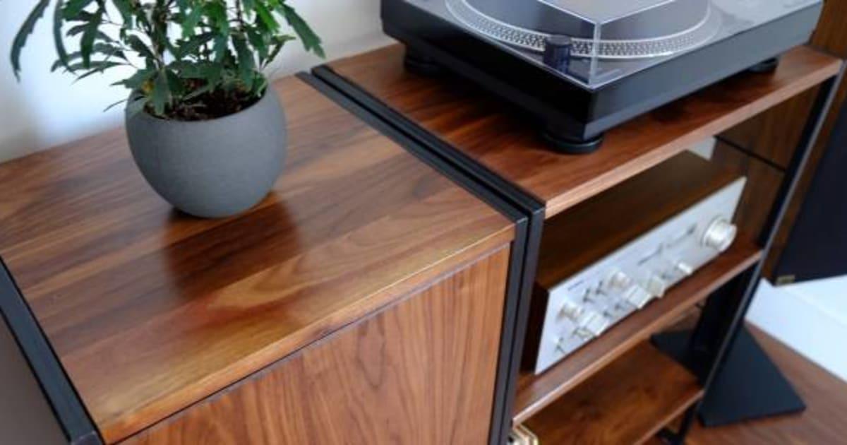 oubliez ikea voici 9 magasins de meubles et accessoires spectaculaires montr al. Black Bedroom Furniture Sets. Home Design Ideas