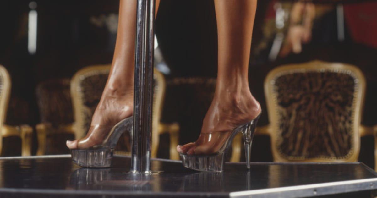 lo que aprend trabajando en un club de 39 striptease 39. Black Bedroom Furniture Sets. Home Design Ideas