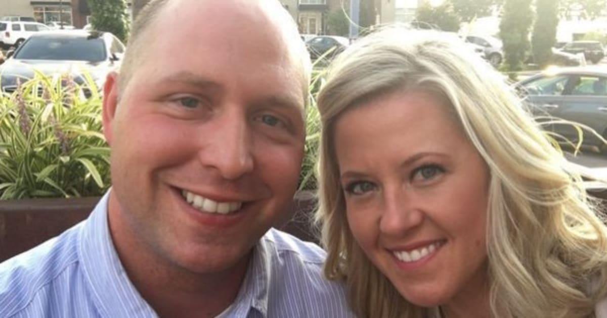 pourquoi ce couple a attendu 9 ans avant d 39 ouvrir un cadeau de mariage. Black Bedroom Furniture Sets. Home Design Ideas
