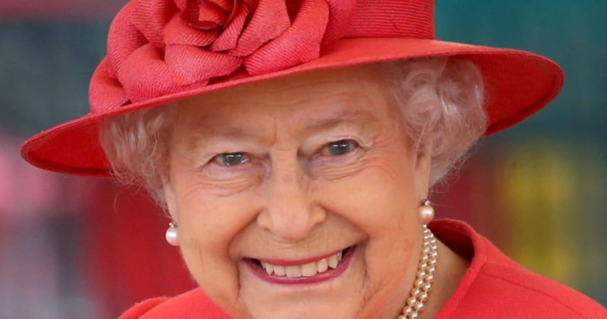 A a a cercasi arredatore per la regina il compenso di for Lavoro arredatore