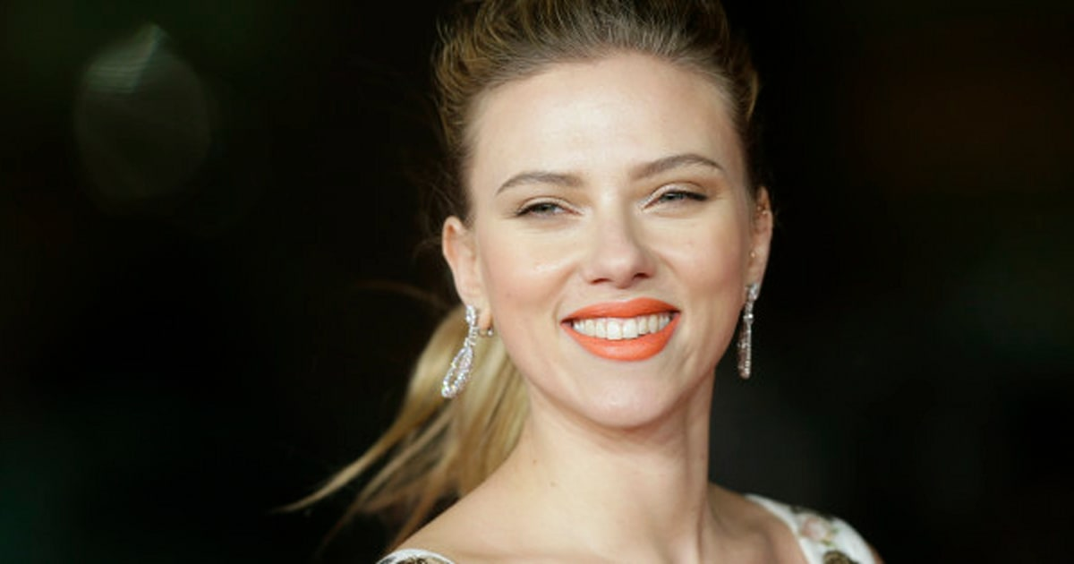 without Scarlett makeup johansson