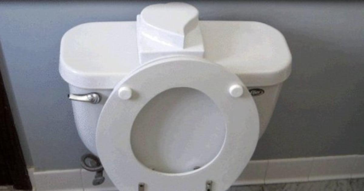 vid o lunette de toilette une solution pour en finir avec ce probl me de couple le. Black Bedroom Furniture Sets. Home Design Ideas