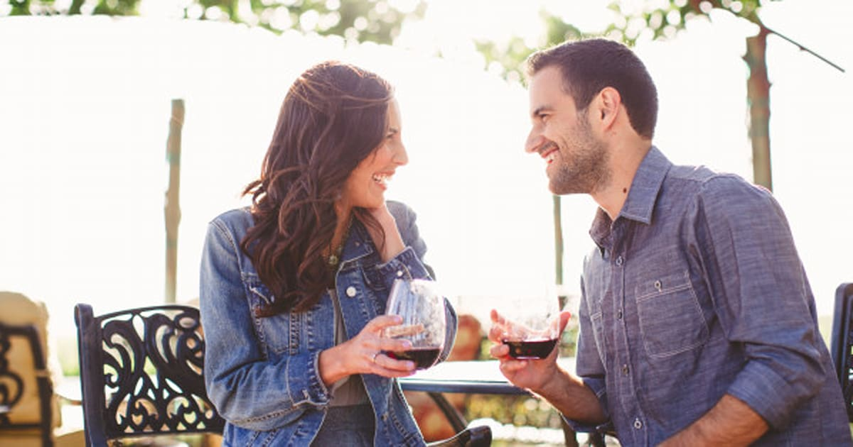 6 insincere dating gestures that need to go