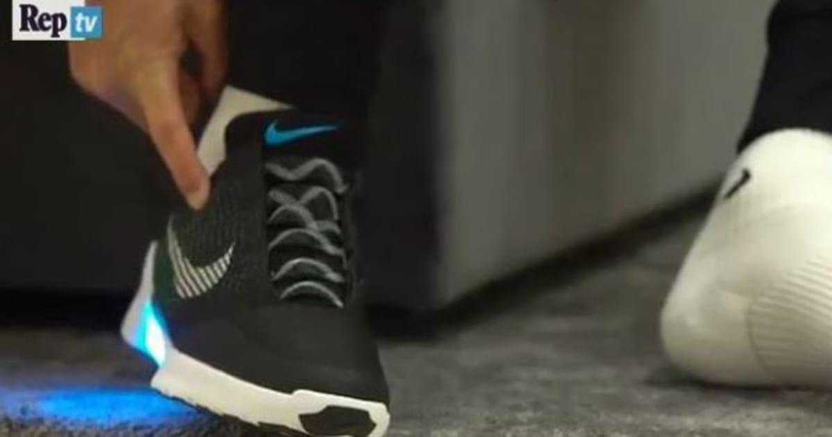 nike scarpe allacciano da sole