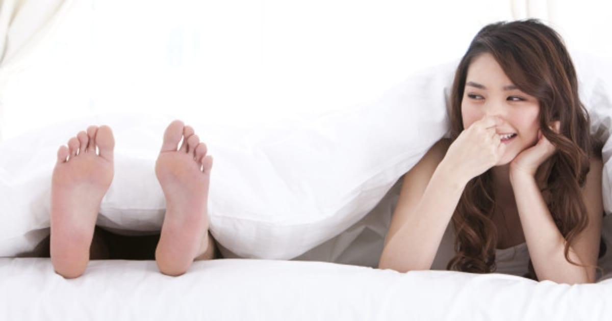 Girlfriend smelly feet