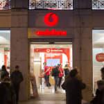 Vodafone regala su televisión para contener la sangría de