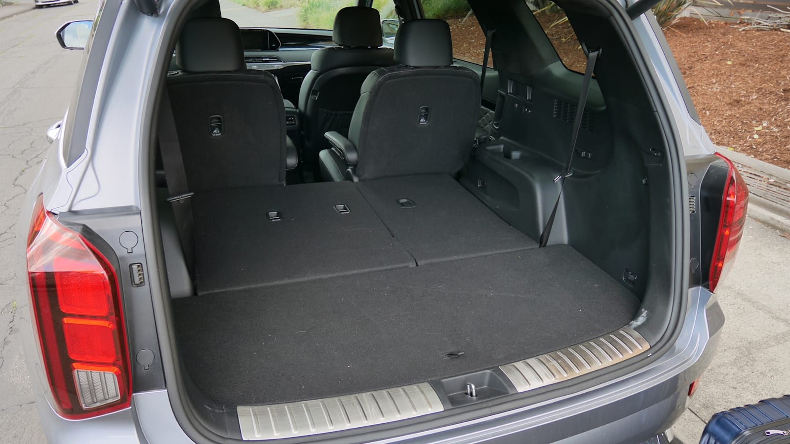 2020 Hyundai Palisade | How much fits behind the third row?