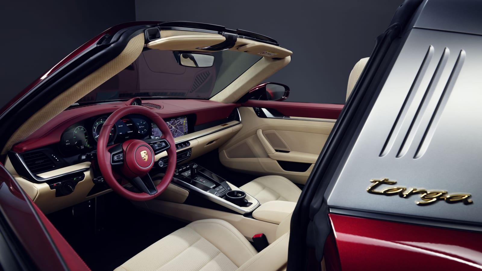 2021 Porsche 911 Targa 4S Heritage Design Edition introduced