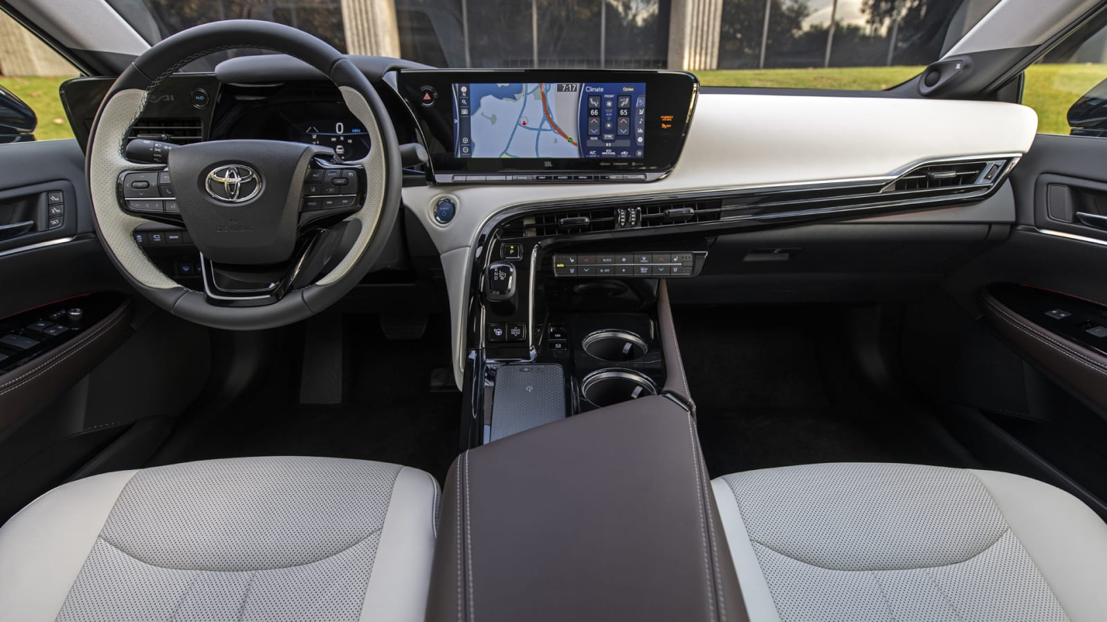 2021 Toyota Mirai Review What S New Range Hydrogen Fuel Cell Autoblog