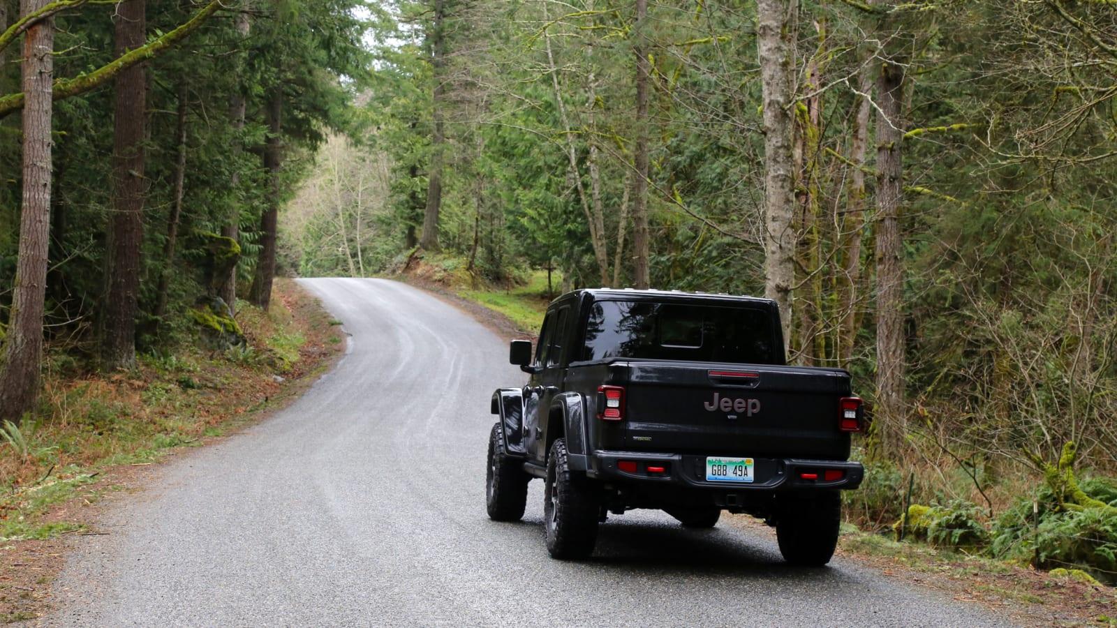 Дорожные испытания Jeep Gladiator Rubicon EcoDiesel 2021 года