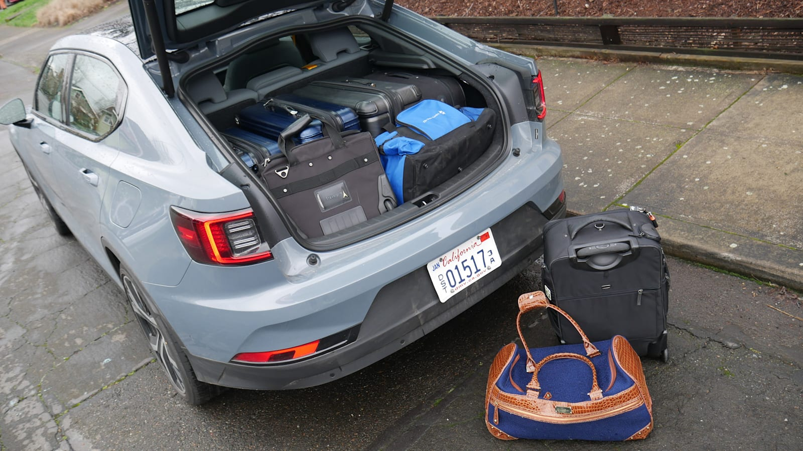 Тест багажа Polestar 2 | Насколько велик багажник?
