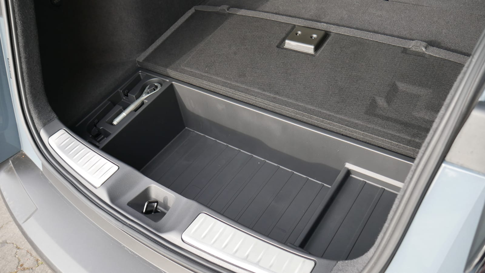 2021 Infiniti QX55 underfloor storage