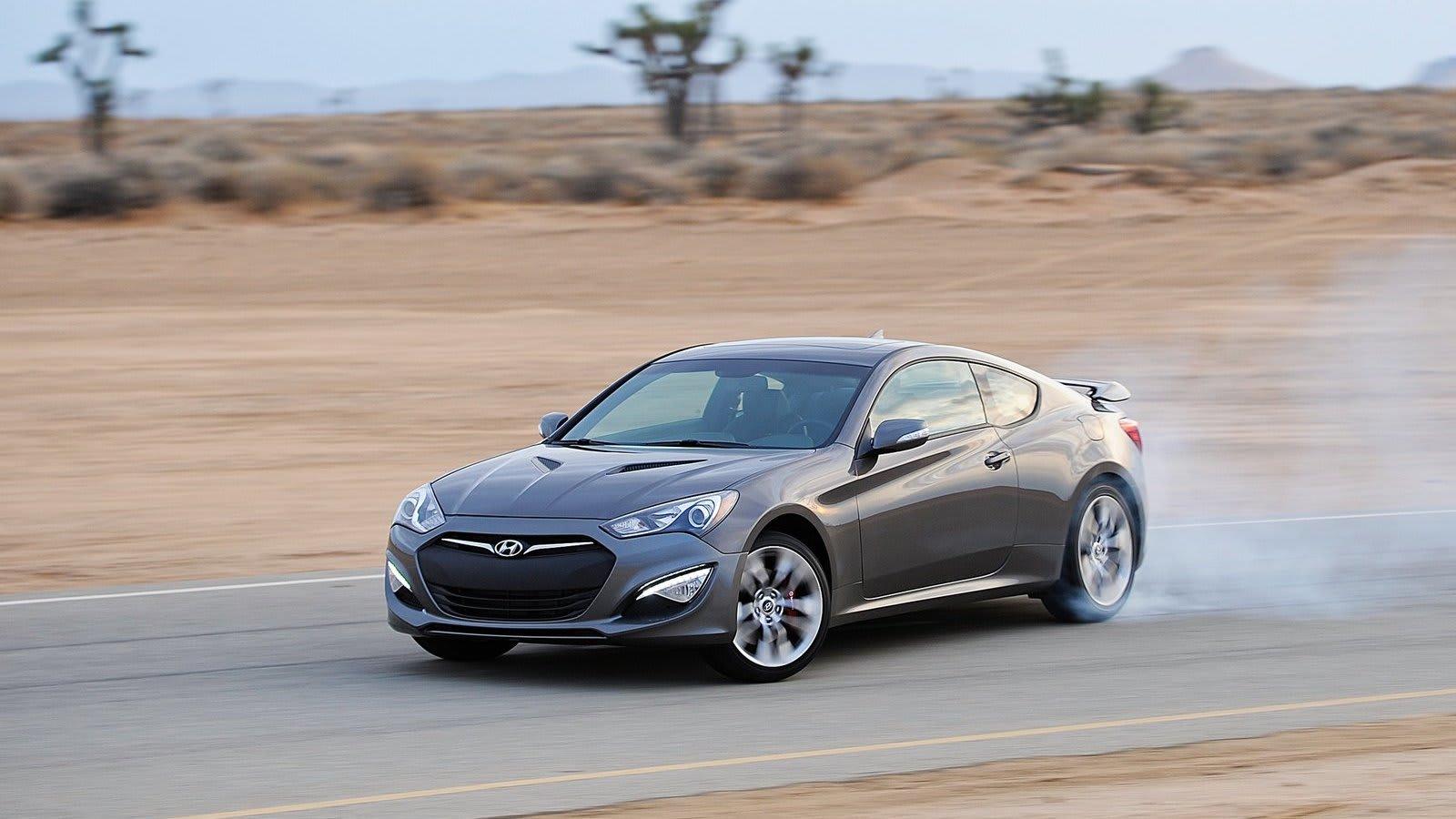 Hyundai Genesis Coupe drift