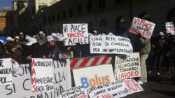I dipendenti di Bplus protestano davanti alla prefettura di Roma