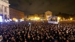 Grillo in piazza, Bersani in teatro, Berlusconi con un videomessaggio. Chi avrà ragione nelle