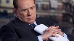 Silvio Berlusconi indagato a Napoli per corruzione e a Reggio Emilia per voto di