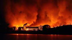 Napoli, in fiamme la Città della Scienza. Forse un incendio