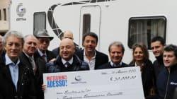 Renzi vende il camper. Trentamila euro per i bambini malati di tumore