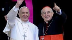 Cambio di stile in Vaticano? Anche il cardinale vicario sceglie la croce di ferro (FOTO,