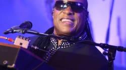 Le chanteur Stevie Wonder lancera deux nouveaux albums l'an