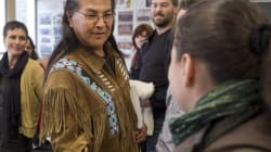 Aboriginal Affairs Minister Meets Elder On Hunger