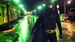 Un Batman si aggira per le vie d'Isernia: