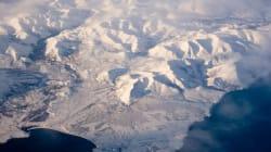 Sept Russes atteignent le pôle Nord à bord de deux