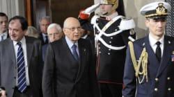 Giorgio Napolitano accetta da Pd e Pdl il ruolo di regista. Ma il bis è legato al governo. Ipotesi di un esecutivo con i diec...