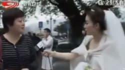 Reporter cinese abbandona le sue nozze per una telecronaca del