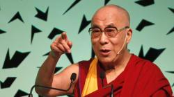 Le Dalaï Lama soutiendrait une femme pour lui