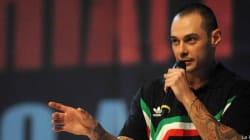 Fabri Fibra giù dal palco del Concertone, va in onda su Radio2 (FOTO,