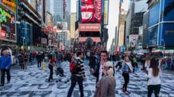 Via gli occhi dalla pubblicità, a Times Square è l'ora di Inside Out (FOTO,