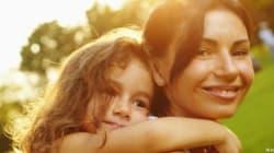 Se mamma non riesce più a sorridere: i diritti delle mamme secondo i bambini