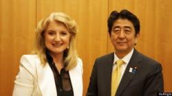 Une carte postale du Japon: zen, politiques «Abenomiques», réseaux sociaux et Constitution en compagnie du premier ministre S...