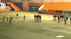 Un match de soccer à 11 contre... 22