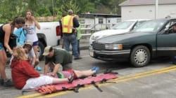 Une voiture fonce sur un défilé et fait près de 60 blessés en