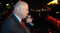 Un lobby du tabac offre un festin à 10.000 euros à des