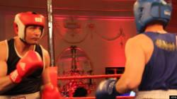 Une victoire et un combat de boxe pour le chef Éric