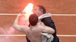 Protesta anti-gay interrompe la finale tra Nadal e Ferrer