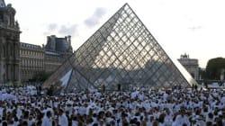 Le Trocadéro et le Louvre, investis par le Dîner en