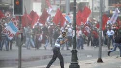 Gezi Park: cariche, scontri e feriti. E in migliaia sfilano per Erdogan