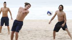 Beach volley e giochi fra le onde
