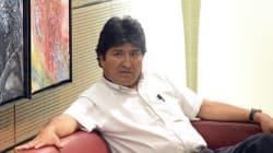 Odissea per l'aereo di Morales, sospettato di trasporare
