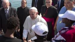 Francesco a Lampedusa, la scossa del Papa che mette all'angolo i