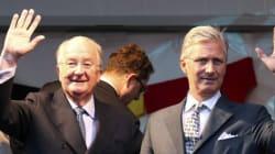 Albert II fait ses adieux en appelant les Belges à rester