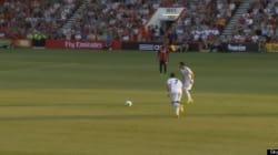 Un coup franc de Cristiano Ronaldo blesse un