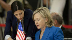 Huma, l'ombra di Hillary, va allo scontro frontale con