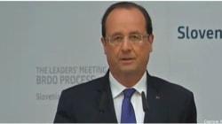François Hollande invente la république de